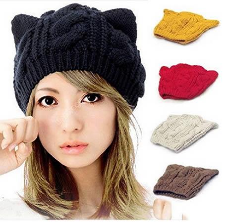 cappello con orecchie nero e altre tonalità di colore
